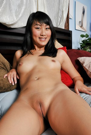Shaved Asian Pussy and Hot Asian Porn